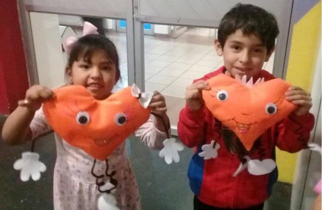 Almohadas de corazón en Gym Kids