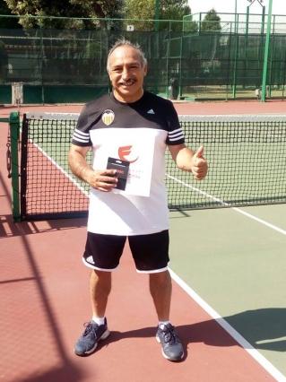 Felicitaciones a participantes de torneo de Tenis madrugadores