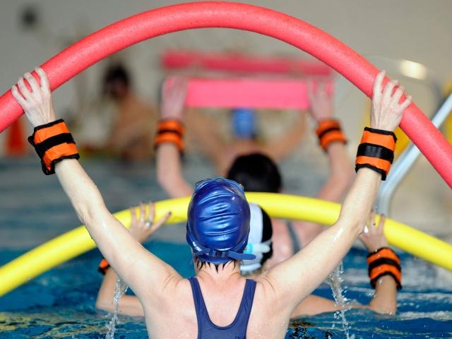 Activación acuática para adulto mayor