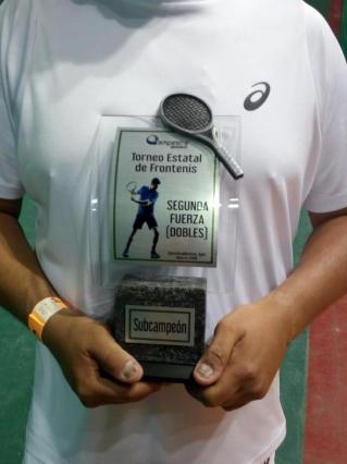Felicitaciones por presea en torneo estatal de Frontenis Club Campestre